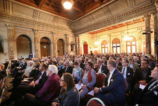 Symposium-2015-03.jpg